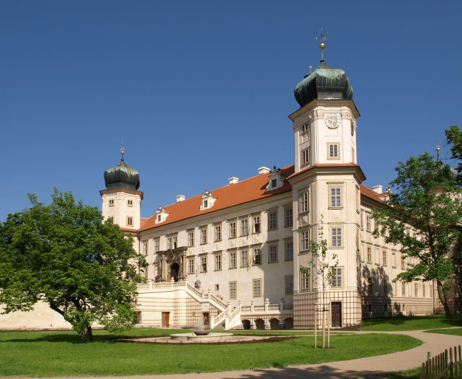 Výlety v okolí Prahy západ